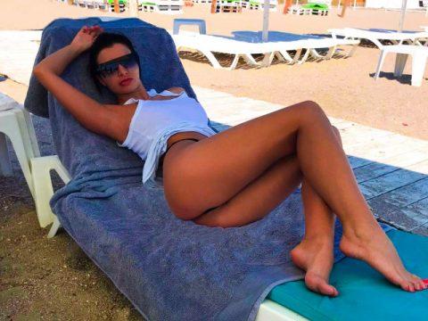 Hot sexy summer with Lara