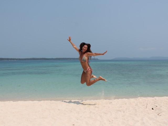 Hot travel girl Sophi